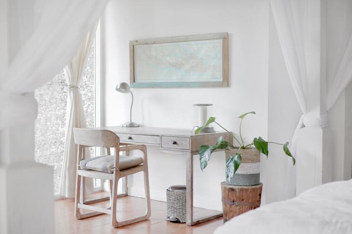 Ein Zimmer in weiß mit viel Licht