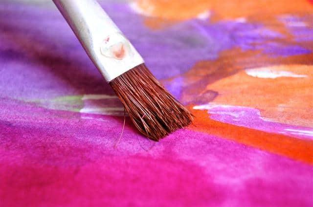 Ein Gemälde in verschiedenen Farben
