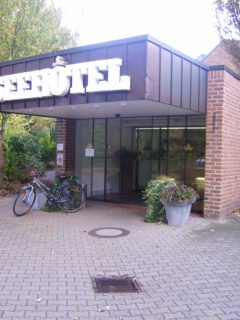 Der Hoteleingang von Seehotel