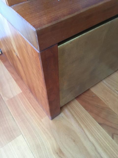 Eine spitze Ecke aus Holz