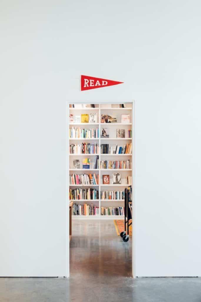 Ein Zimmer voller Bücher